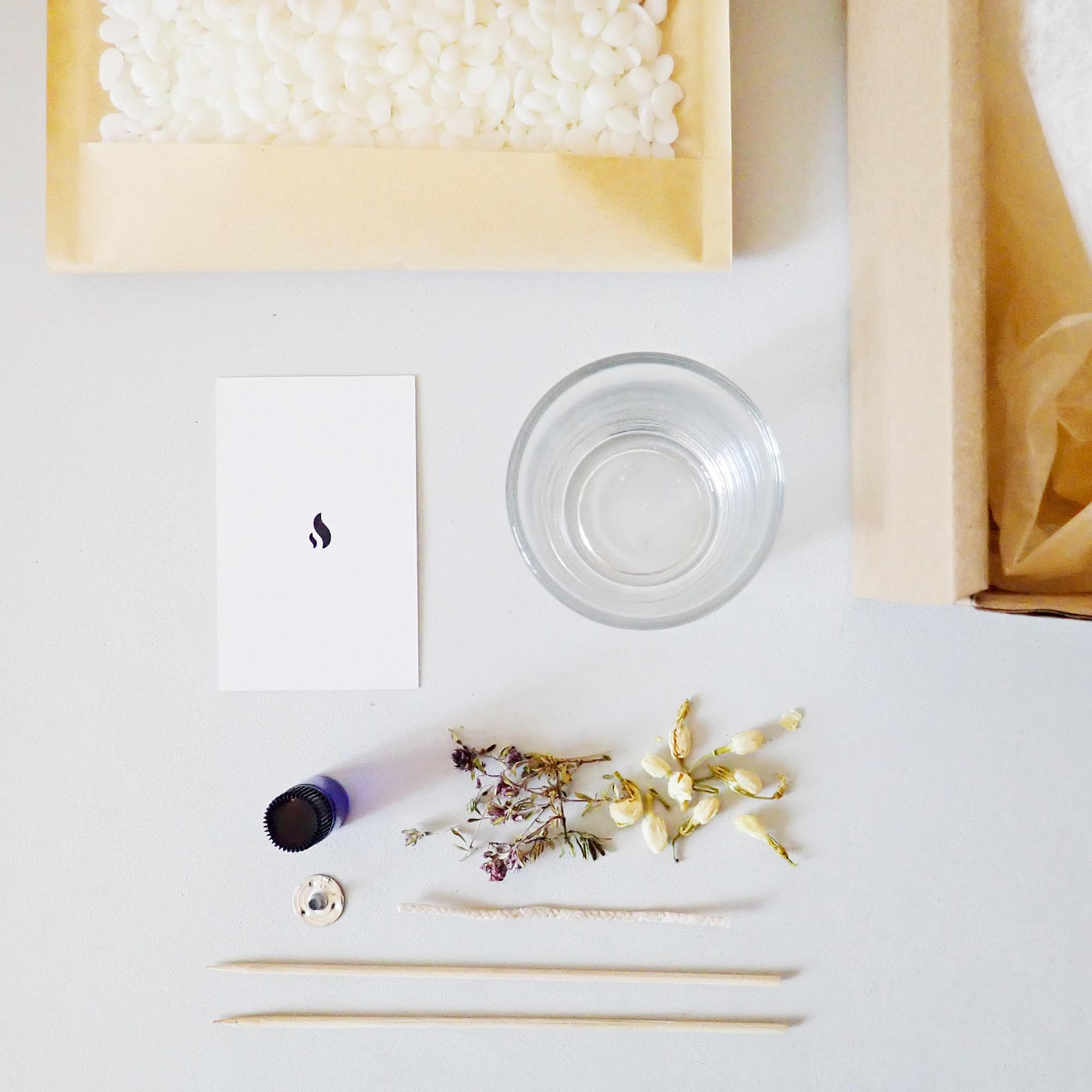 kit cr ation bougie diy 150 ml bougie cire soja parfum e. Black Bedroom Furniture Sets. Home Design Ideas