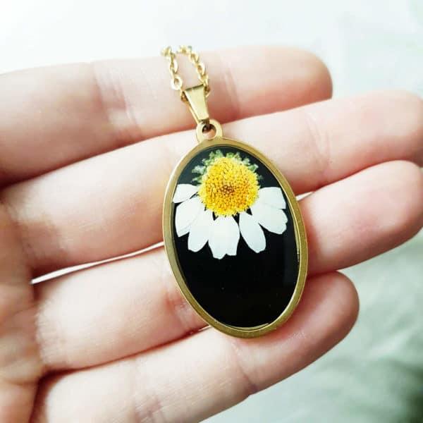 Collier fleuri CEZARY - Marguerite - Bijoux fleurs séchées