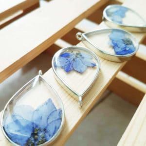 Collier fleuri EWA - Delphinium Bleu - Bijoux fleurs incrustées
