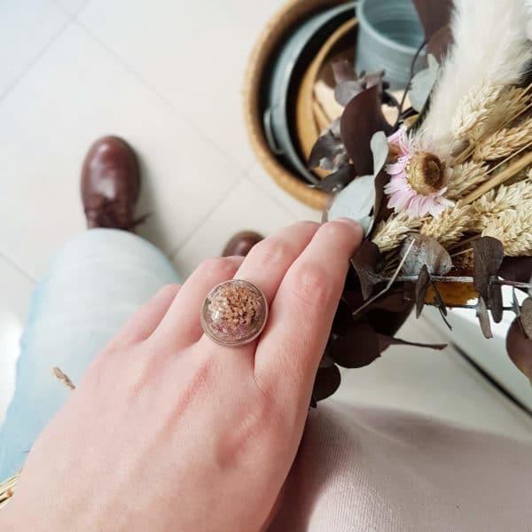 Bague fleurie JANA - knautie des champs - Bague résine végétale