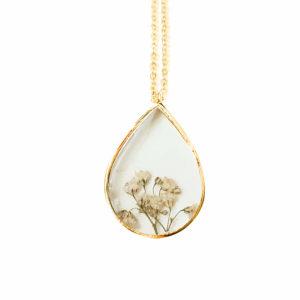Collier fleuri EWA - Gypsophile - Bijoux résine fleurs séchées
